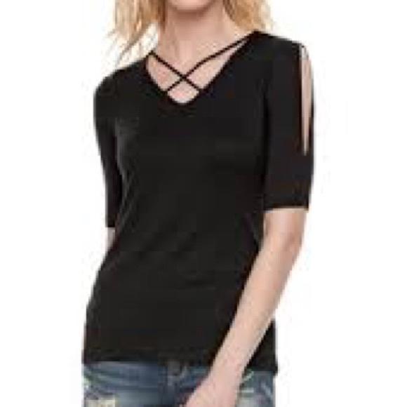 25c7a23677836 R   R Black criss cross front spilt 3 4 sleeve top